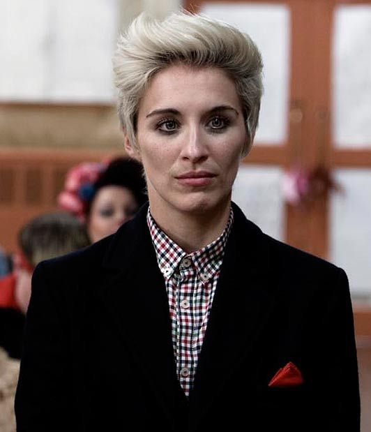 vicky mcclure bleached crop this is england natural makeup