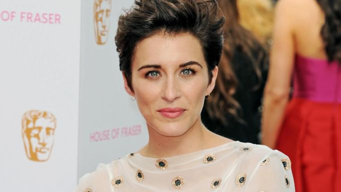 vicky mcclure short hair natural soft smokey red carpet makeup editorial justine jenkins
