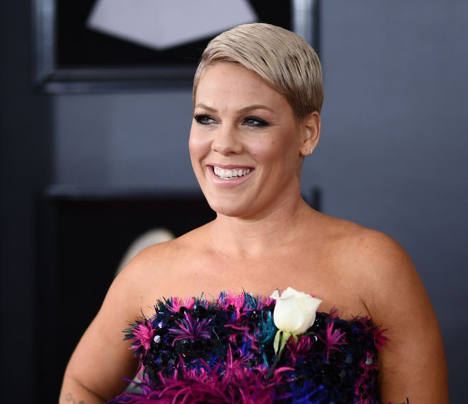 pink alicia moore hair style shaved hair natural pretty makeup androgynous 60th grammy awards red carpet